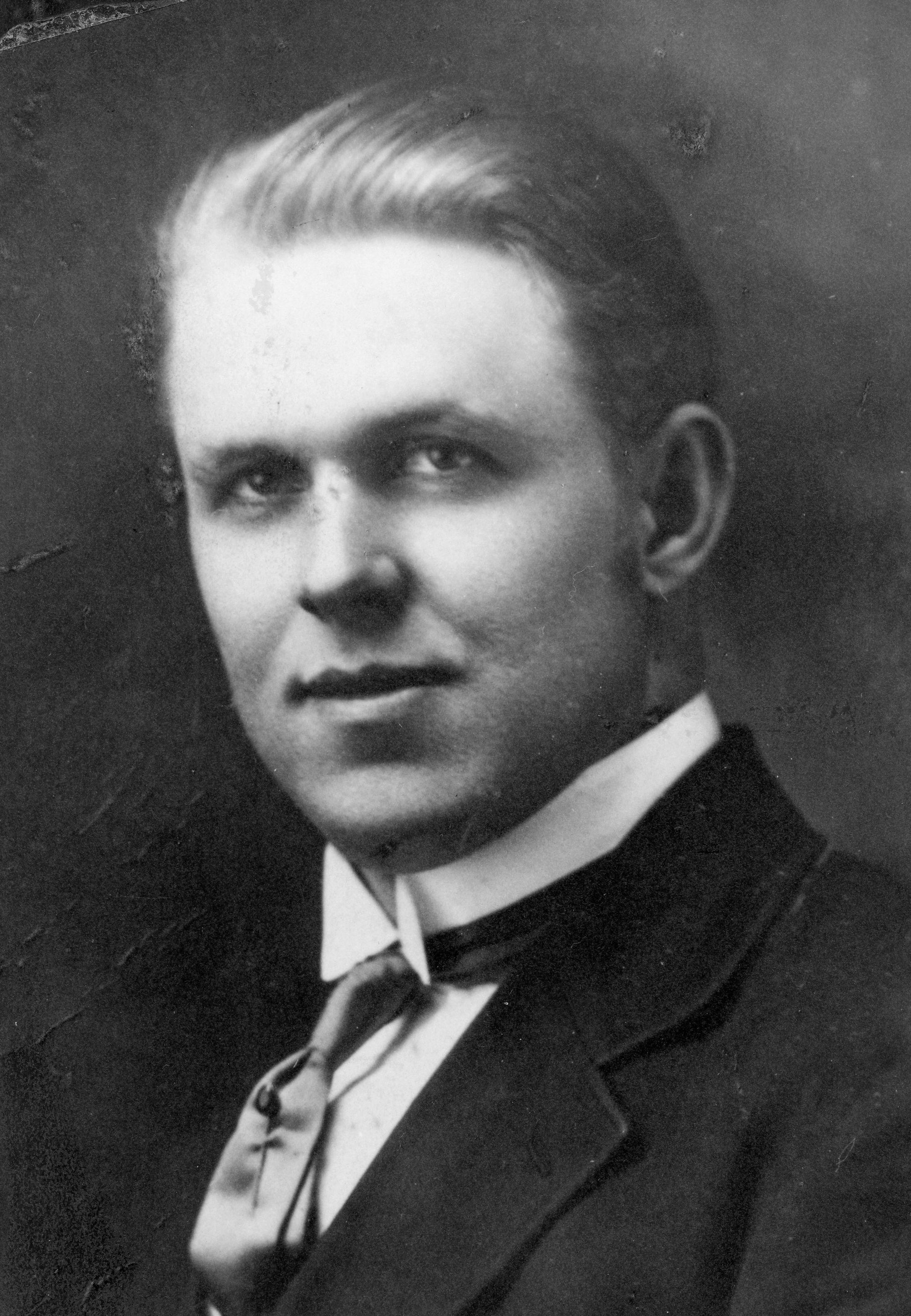 Nielson, Floyd Walton
