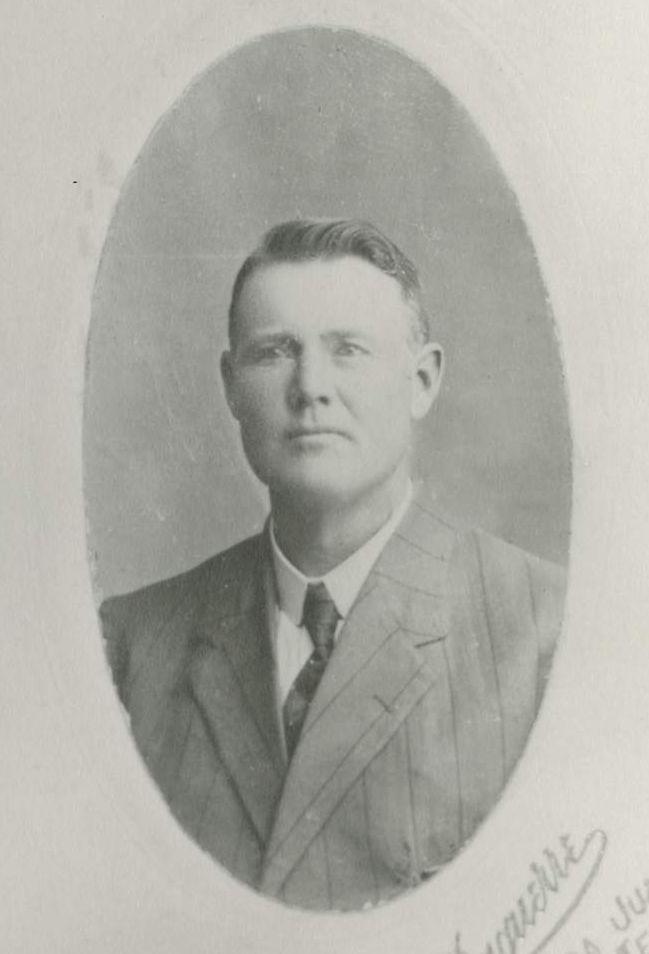 Pierce, Miel Carlson