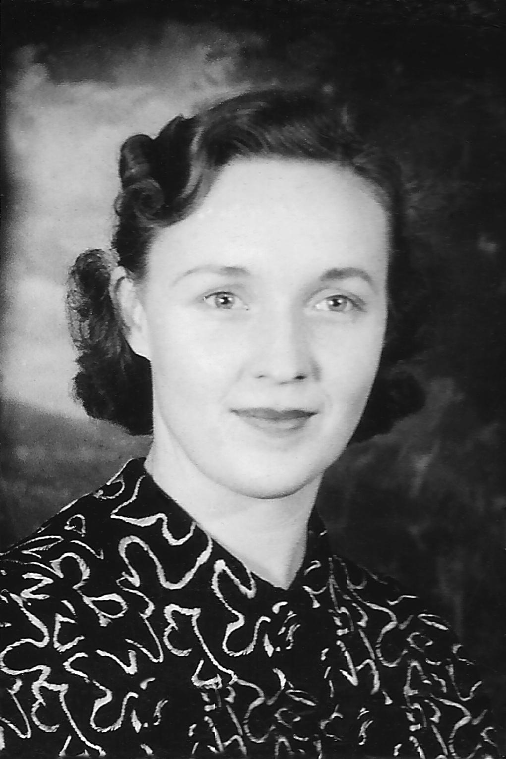 Schmid, Lois Hallie