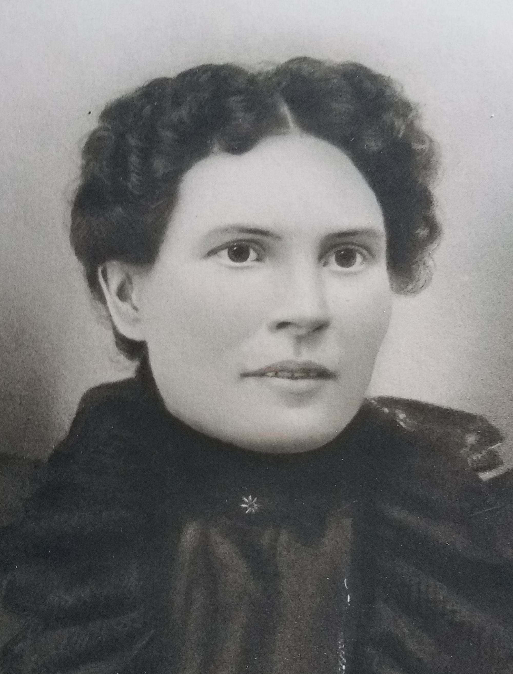 Woodland, Laura Lauretta