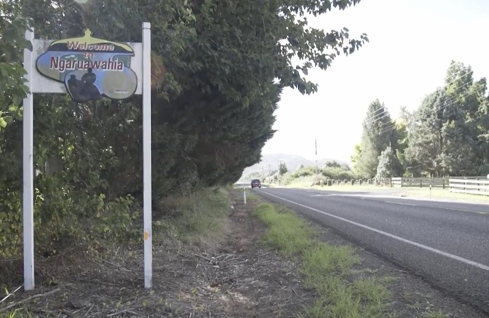 """""""Welcome to Ngaruawahia"""" sign"""